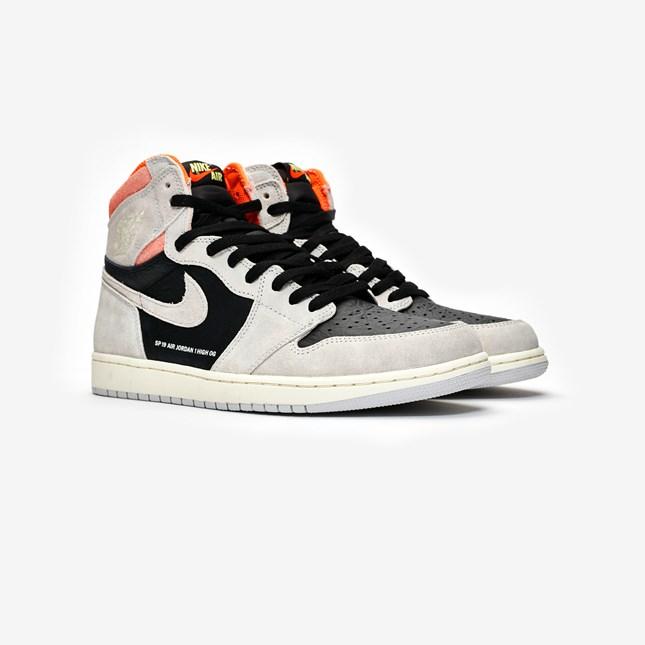 more photos b50c5 5692a Nike Air Jordan 1 Retro High OG